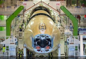 Управляющий Airbus рассказал о проблемах на производстве A350 (РИА