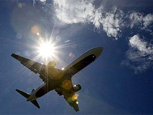 Из-за тайфуна в Японии отменили более 400 авиарейсов (Известия)