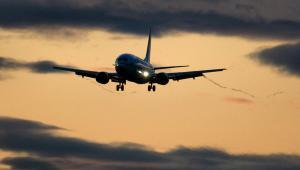 Авиакомпаниям тесно на сужающемся рынке (Коммерсантъ)