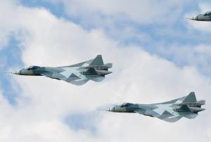 Российские военные планируют в 2017 году получить первые пять истребителей ПАК ФА (ТАСС)