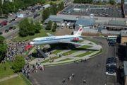 В Шереметьево состоялось открытие памятника самолету Ил-62