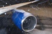 Мурманский аэропорт возобновил работу в штатном режиме после снегопада