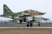 На Кубани экипажи Су-25СМ отрабатывают действия при возникновении внештатных ситуаций на предельно малых высотах