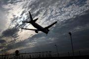Единственный гражданский аэропорт столицы Ливии приостановил работу из-за обстрелов