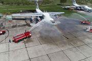 """На аэродроме """"Мигалово"""" прошла учебная тренировка пожарных расчетов по ликвидации возгораний на военных объектах"""
