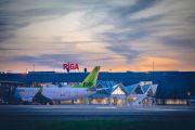 """Число пассажиров в аэропорту """"Рига"""" продолжает расти"""