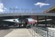 В здание аэропорта Пулково въехал грузовик